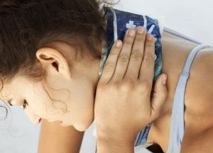 Боли на спине в области шеи и плеч 89